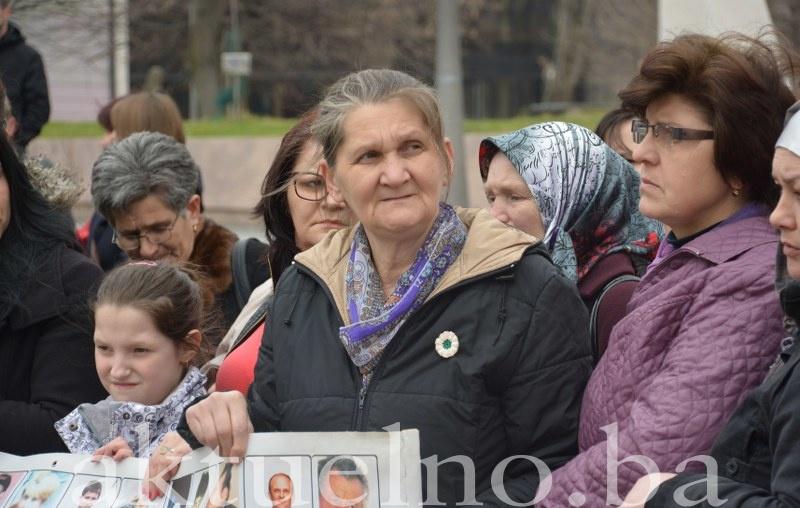 Hajra Ćatić: Prestanite politizirati žrtvama genocida u Srebrenici