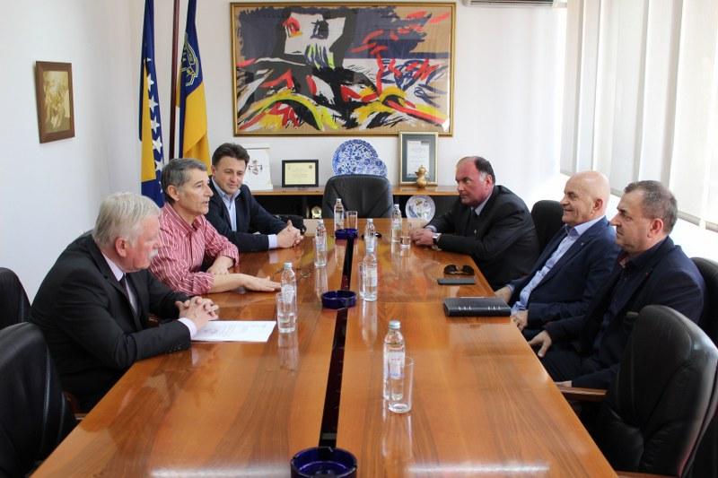 Gradonačelnik Tuzle održao sastanak sa načelnicima općina Gračanica, Gradačac, Živinice i Kalesija
