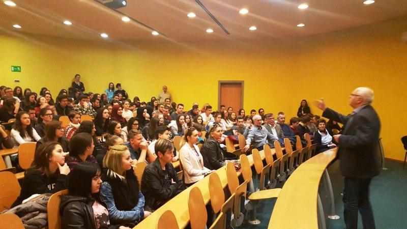 Rotary Club Tuzla i Pedagoški zavod TK, zajedničkim  projektom,  podstiču mlade na  međugeneracijsku solidarnost