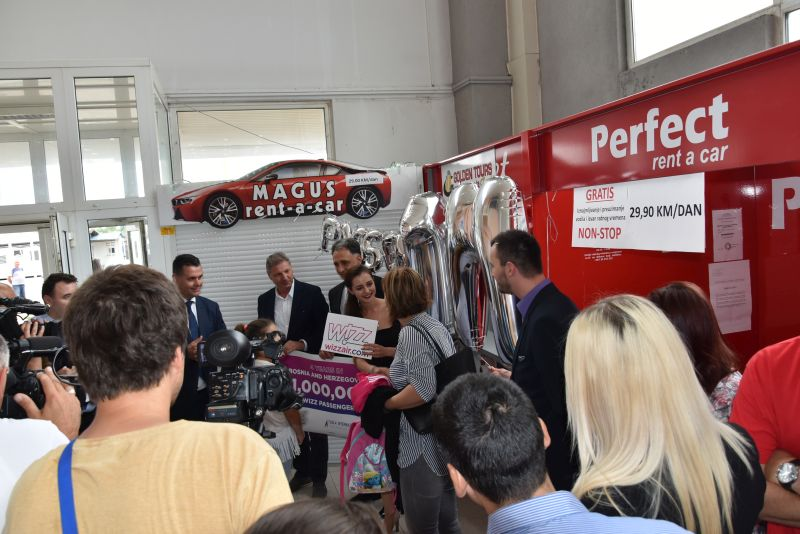 Wizz air proslavlja novi rekord u Tuzli:  Milion prevezenih putnika