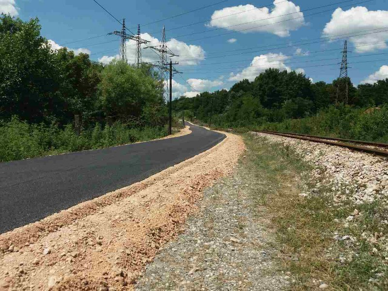 U toku radovi na rekonstrukciji, izgradnji saobraćajnica, sanaciji klizišta i oštećenja na putevima