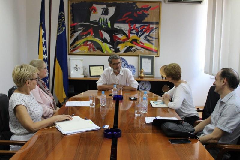 Grad Tuzla dobija prve solarne stanice