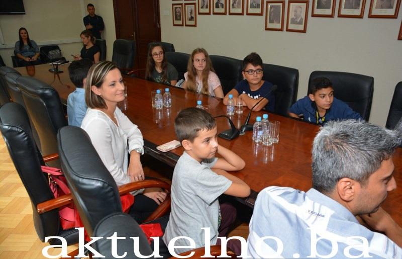 Gradonačelnik Tuzle upriličio prijem za osnovce iz Istanbula