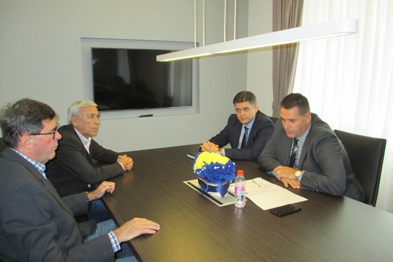 Premijer Gutić podržao živiničke rukometaše