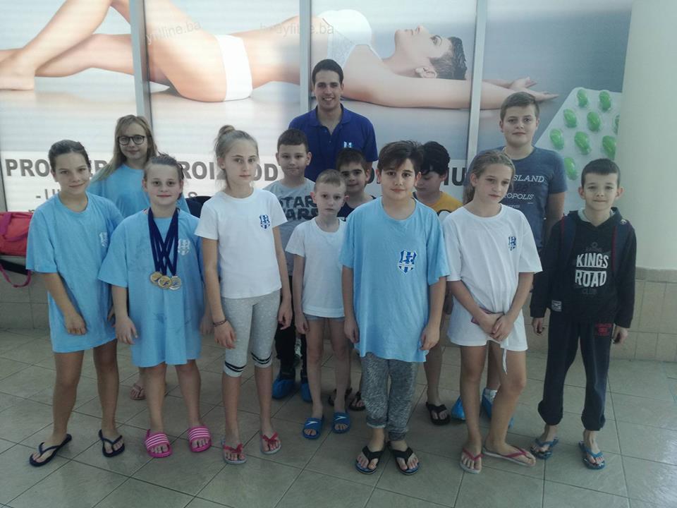 Pehar i četiri medalje za plivače Jedinstva