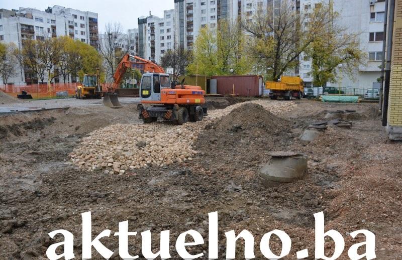"""Premijer Tuzlanskog kantona Bego Gutić: Fiskulturna sala za potrebe učenika OŠ """"Sjenjak"""" u Tuzli će biti u funkciji do kraja sljedeće godine"""