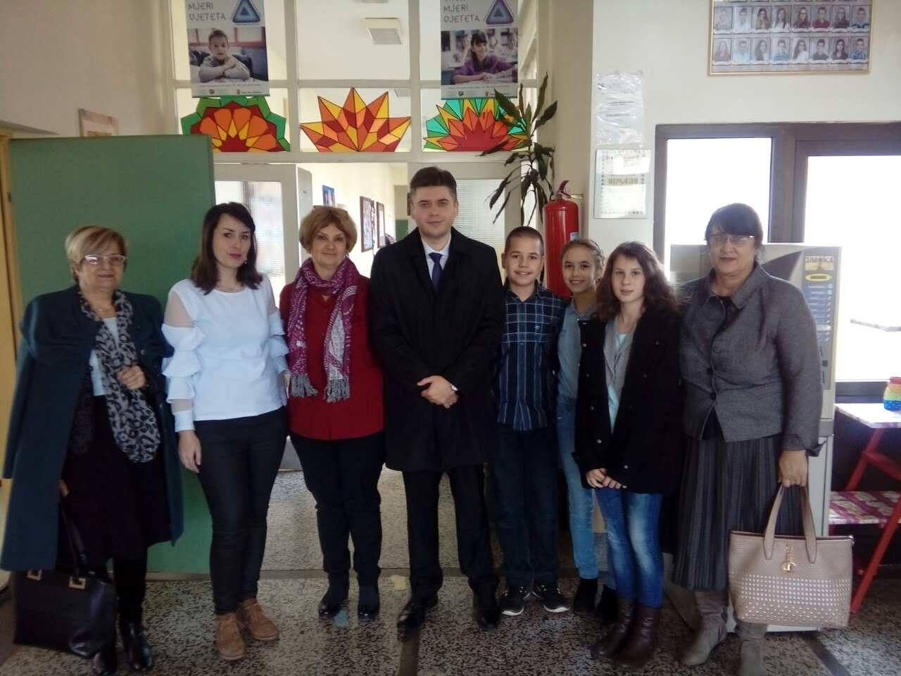 Ministar obrazovanja u posjeti osnovnim školama u Tuzli