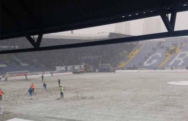 Zbog snijega odgođen početak derbija Željezničar – Sarajevo
