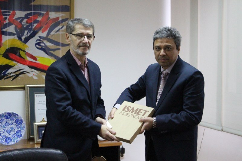 Susret gradonačelnika Tuzle i direktora kulturnog centra Ambasade Indije u Mađarskoj