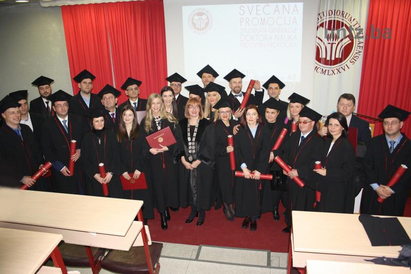 Svečana promocija doktora nauka, redovnih profesora i dodjela Zlatne plakete studentima generacije Univerziteta u Tuzli
