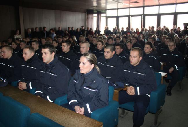 Šezdeset kadeta 31.generacije Policijske akademije FMUP-a  položilo svečanu zakletvu