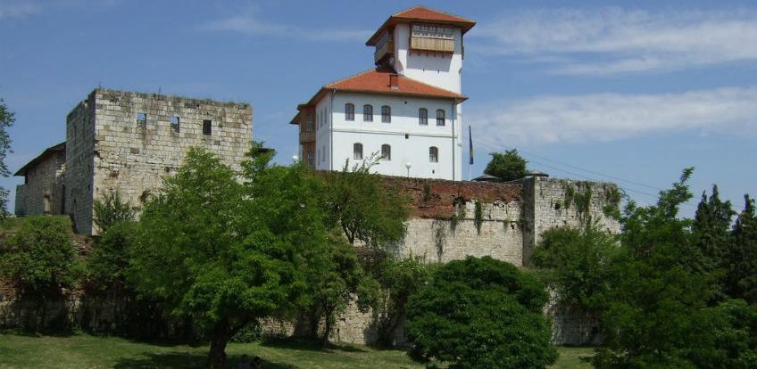 Milion KM za obnovu i restauraciju kompleksa Stari grad u Gradačcu