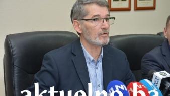 Obraćanje gradonačelnika Tuzle u vezi sa organizacijom isplata penzija i drugih potreba građana starijih od 65 godina