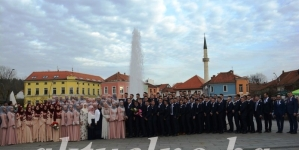 Svečani defile maturanata Behram-begove medrese u Tuzli FOTO / VIDEO