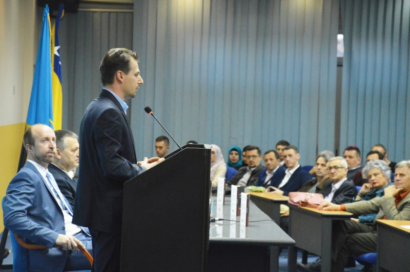 Promovisana knjiga O politici: Bilješke na margini profesora Amira Karića