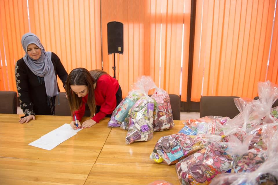 Studenti i profesori PMF-a Univerziteta u Tuzli obradovali mališane Doma za djecu bez roditeljskog staranja