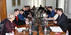 Socijalni dijalog sindikata i Vlade TK
