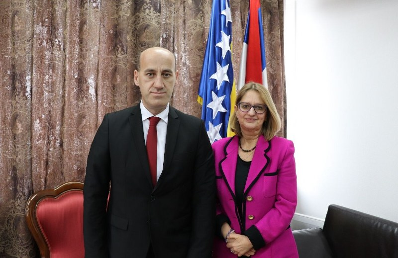 Salkić se sastao sa šeficom regionalnog Ureda OHR-a u Banja Luci
