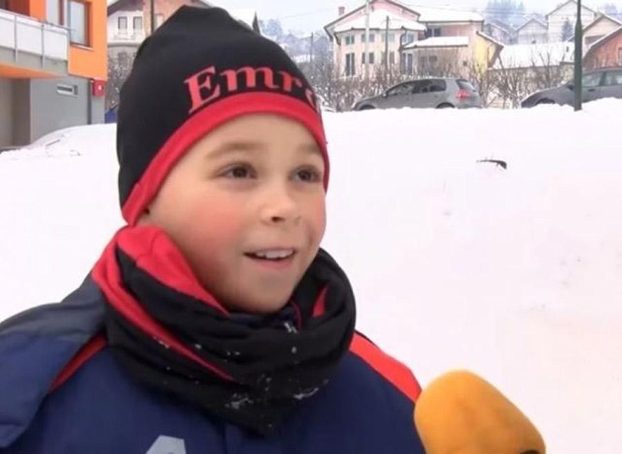 """VIDEO: Dječak objasnio šta je """"pičiguz'"""