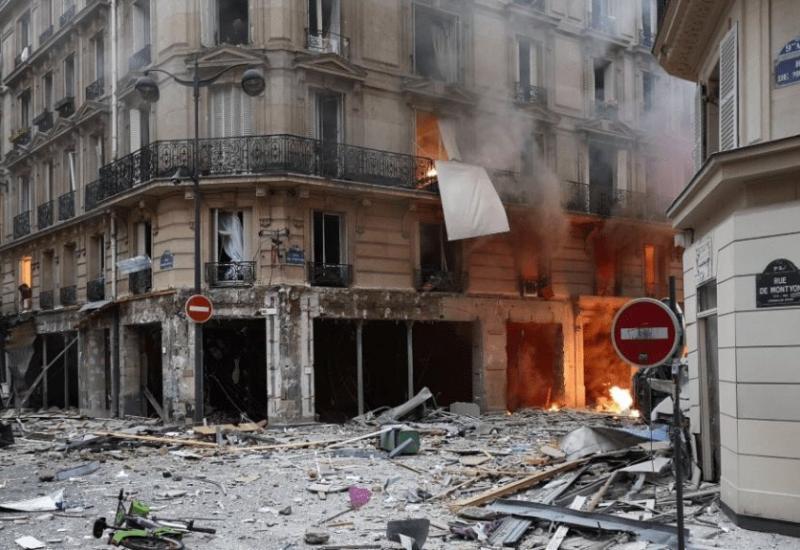 Eksplozija u Parizu: Vatrogasci i policija na terenu