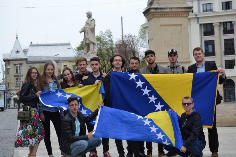 Bh. učenici osvojili zlato, srebro i bronzu na Infomatrix takmičenju u Rumuniji