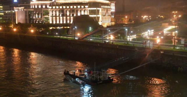 Sedam mrtvih i više nestalih u nesreći prevrtanja turističke brodice u Budimpešti