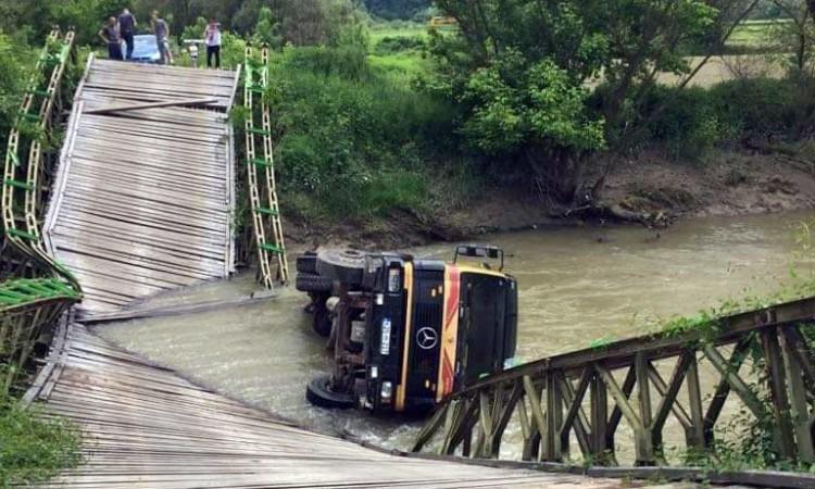 Srušio se most na Spreči