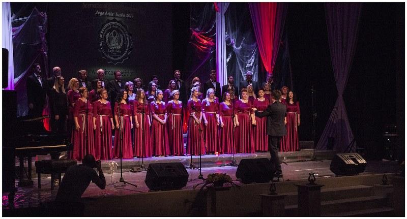 Svečanim koncertom hora domaćina u Tuzli počeo IV horski šampionat «Lege Artis»