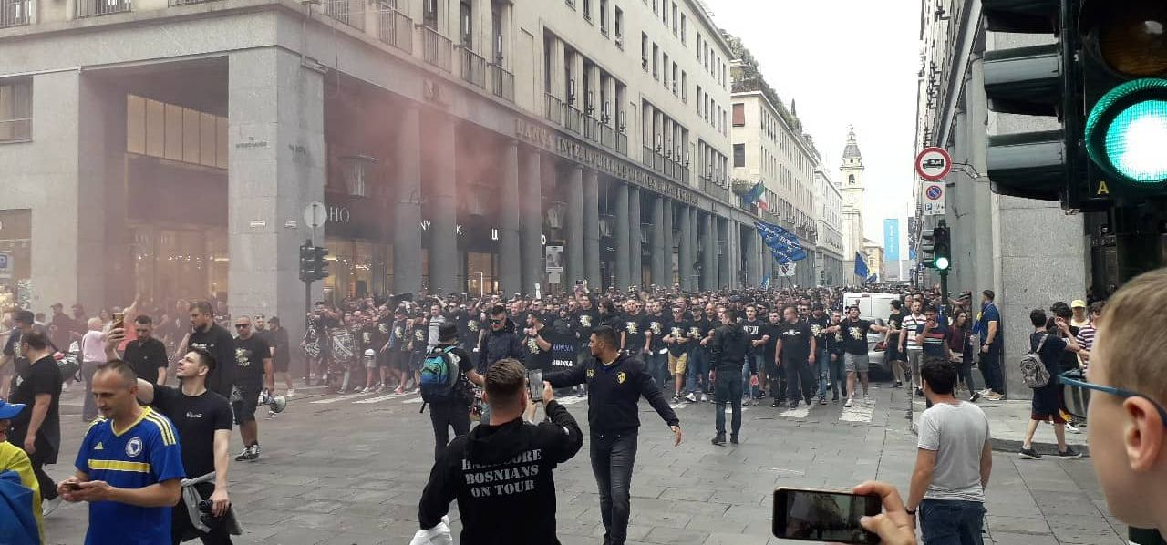 Korteo bh. navijača, ulicama Torina odjekuje: Naprijed Bosno, ljubavi moja