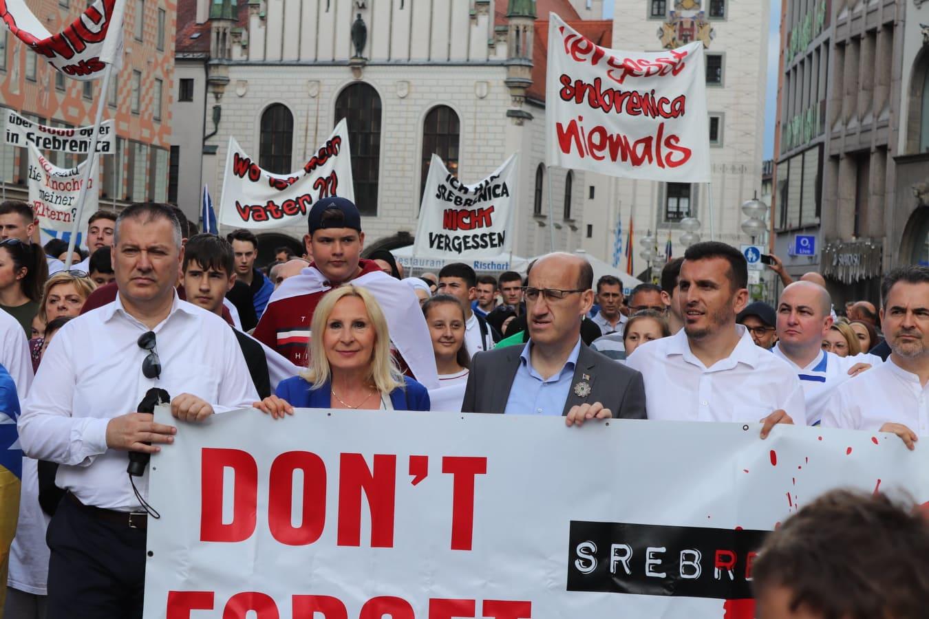 Salkić u Minhenu učestvovao u tradicionalnom maršu mira za Srebrenicu