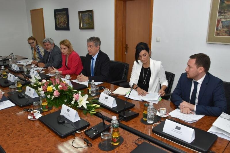Premijer Tulumović se susreo sa ambasadorom Wigemarkom