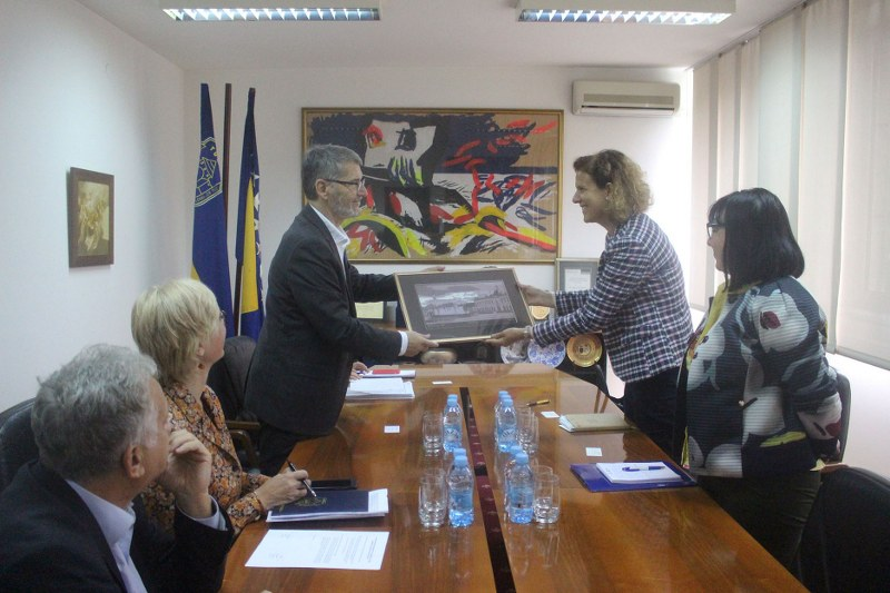 Gradonačelnik Tuzle sa predstavnicama Ambasade Republike Češke u BiH razgovarao o implementaciji projekta Tuzla – Pametni grad