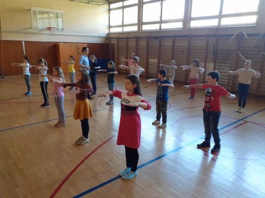 Plesom do pravilnog razvoja: Djeca u Tuzli besplatno uče plesati