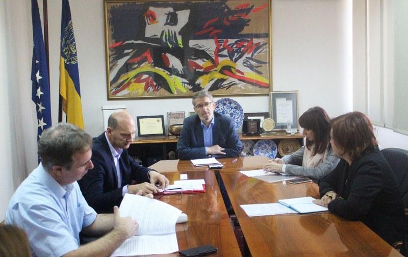 Gradonačelnik Tuzle se sastao sa direktorom Agencije za državnu službu FBiH