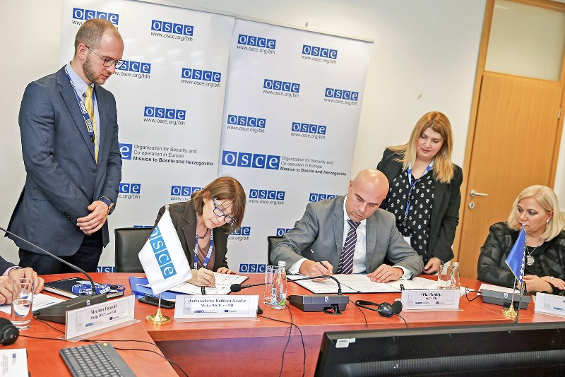 OSCE predao Visokom sudskom i tužilačkom savjetu Mapu procesuiranih ratnih zločina u Bosni i Hercegovini