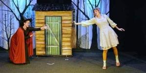 Predstava za djecu ''Ivica i Marica'' na sceni Teatra kabare Tuzla