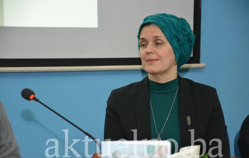 """U Tuzli promovisana knjiga """"Živi prisutno: Sufijski put do budnog srca"""""""