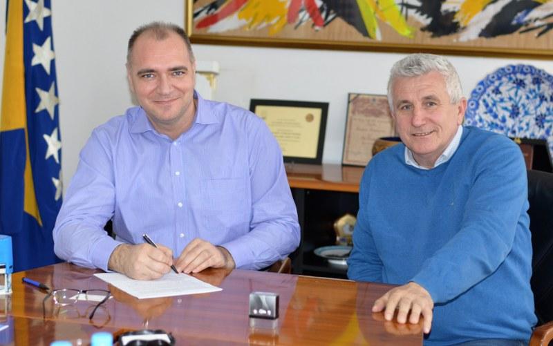 """Nastavak realizacije Poslovne zone """"Kreka Sjever"""", potpisani ugovori o osnivanju prava građenja na nekretninama u vlasništvu Grada Tuzle"""