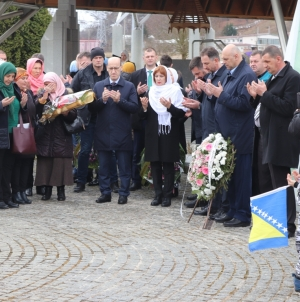 Ramiz Salkić u Bratuncu i Potočarima: Vladari dolaze i odlaze, a Bosna i Hercegovina  je trajna