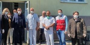 """""""Merhamet"""" donirao izolatoriju UKC-a Tuzla zaštitnu opremu"""