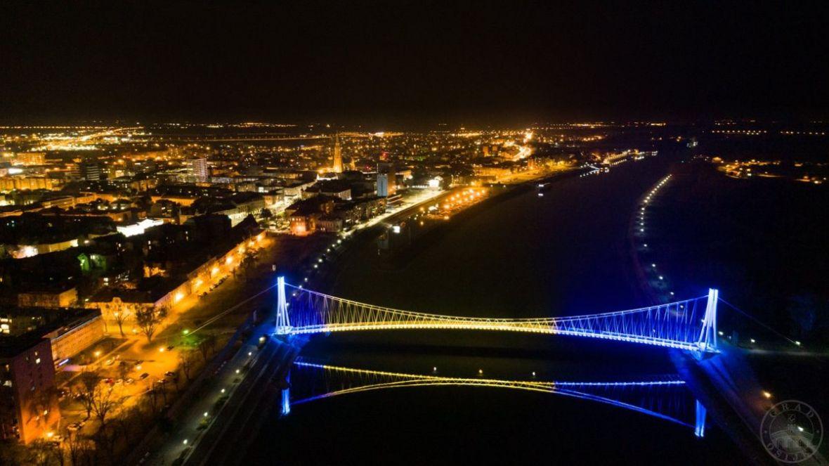 Grad Osijek obojio most u boje naše zemlje i poslao poruku podrške BiH!