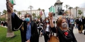 Stotine ljudi na protestima u Rimu