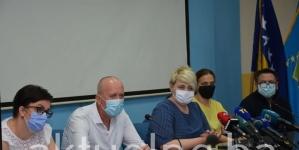 Direktor UKC-a Tuzla poručio: Prestanite pitati zdravstvene profesionalce za respiratore jer to je mjesto prije sahrane. Prevencije na svim nivoima mogu spasiti kompletan sistem