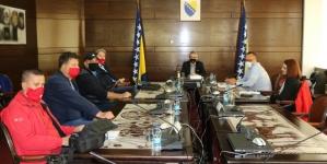 Ministar Bukvarević razgovarao sa predstavnicima ratnih vojnih invalida paraplegičara