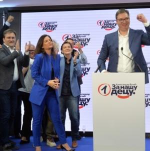 Vučić proglasio pobjedu s dva miliona osvojenih glasova