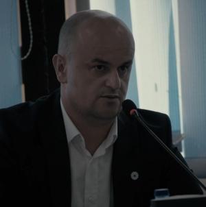 U Potočarima predstavljena knjiga 'Od Srebrenice do svjetla na kraju tunela'