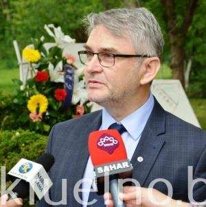 Ministar Bukvarević pozitivan na korona virus, stabilnog zdravstvenog stanja