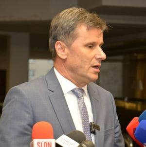 Premijer Novalić hospitaliziran na Klinici Podhrastovi