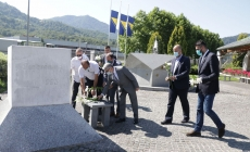 Ministar Bukvarević u Potočarima: Podrška prikupljanju predmeta na putu spasa