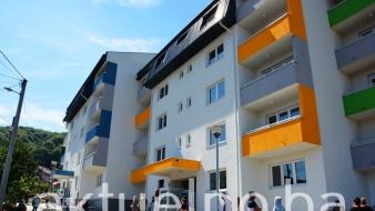 Uručeni ključevi 90 novih stanova u tuzlanskom naselju Miladije porodicama iz kolektivnog centra Mihatovići